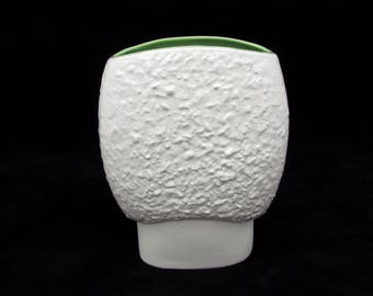 "Red Wing Art Pottery Vase - 8"" - Midcentury Textura Pattern - white w/green 1950s"