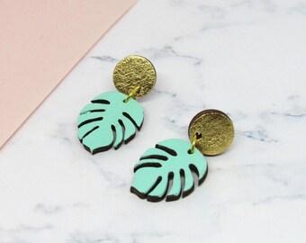 Boucles d'oreilles feuilles tropicales menthe et or