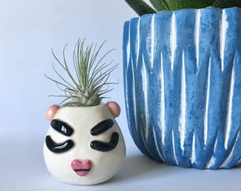 Air Plant Holder / Ceramic Face Vase / Mini Face Vase / Small Face Vase / Ceramic Bud Vase / White Round Vase / Face Vase / Mini Face Vase