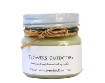 Scented Coconut Soy Candle In Flowers Outdoors Scent - Country Candles