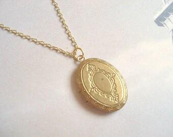 Gold Locket Necklace Bridesmaid Locket Little Gold Locket Vintage Brass Locket Gold Simple Locket Jewelry