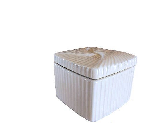 Avon Vintage Avon Keepsake Box Avon Porcelain Box