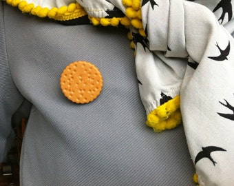 Cookie brooch or badge // Made in Rotterdam