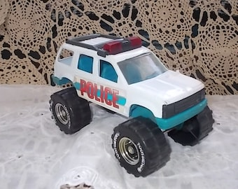 Tootsie Toy Police Ford Explorer, Toy Ford Explorer, Vintage Toy Cars, Toy Cars, Vintage toys, Toys :)s