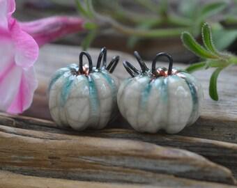 Gespenst Kürbisse - handgemachte Porzellan Raku Perle paar