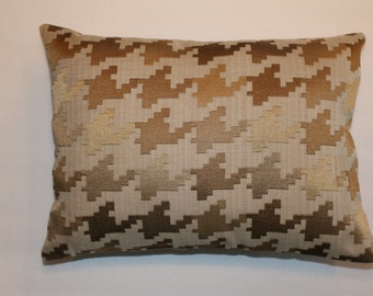 CLEARANCE! Urban Chic 12x16 Gold Brown Houndstooth Decorative Throw Lumbar Pillow
