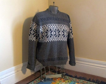 Snowflake Sweater vintage nordic sweater 70s vintage gray scandia sweater Gray wool sweater Cream and gray tweed sweater nordic pullover L