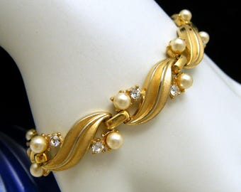 Dainty 1950s Crown Trifari Vintage Bracelet Gold Tone Faux Pearl Rhinestone Accents