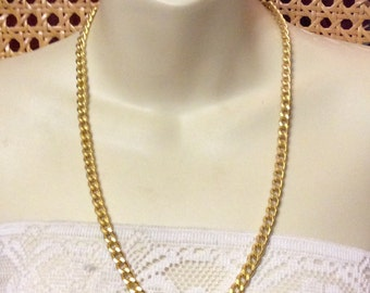 Vintage 1980's signed Tisi gold metal flat curb chain necklace .