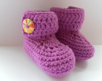 Pink/purple crochet wrap around baby booties for babies age 0-3 months