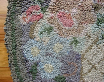 Vintage floral hook hooked rug