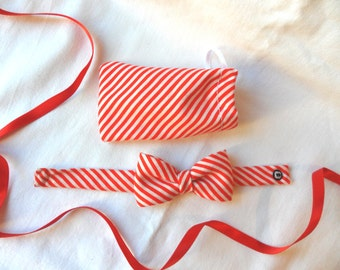 Red and white stripes bow bracelet diagonals