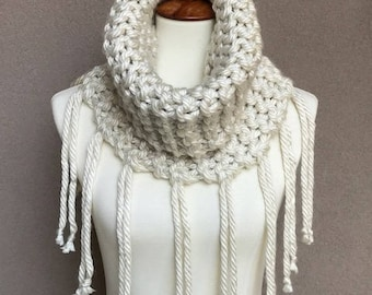 Chunky Knit Cowl with Fringe