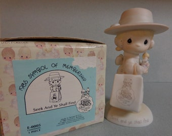 Enesco PM Precious Moments 1985 Seek and Ye shall find Little girl with Shopping Bag E 0005 1984