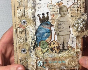 Pretty Little Things: Made to Order Vintage Style Junk Journal