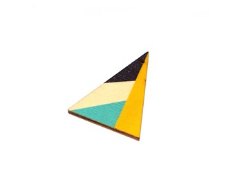 5, 10 or 20 39x29mm black and natural colored wood blue, yellow, triangle pendant