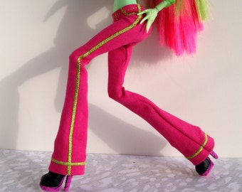 Monster Doll High Fashion - Club Cut Jeans in Pink With Lime Green