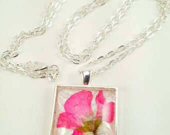 Pink Pressed Real Flower Glass Pendant Necklace/Pressed Flower Jewelry/Mother's Day Gift/Pressed Flower Necklace/Unique/Long Necklace