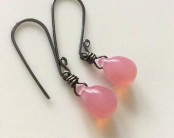 Pink Glass Earrings / Glass Teardrop Earrings / Light Pink Earrings / Sterling Silver Earrings / Glass Drops / Czech Glass Teardrops