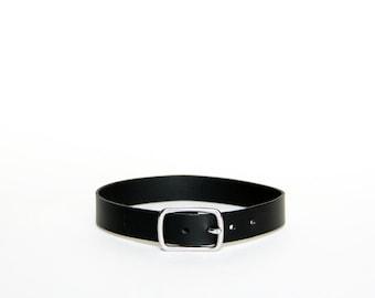 Basic Buckle Choker -- Black Leather