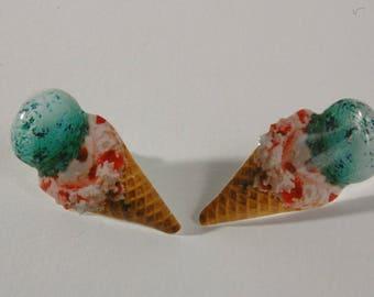 Glossy, Cone earrings Stud