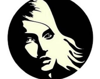 25mm cabochon woman (black and white)