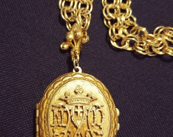Victorian Gold Ornate Locket Pendant With Pictures