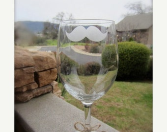 2 Mustache Wine Glass, Personalized Mustache Glass