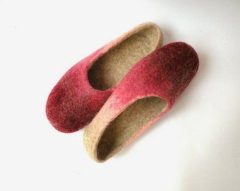 handfelt wool slippers shades of Pink