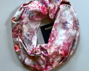 Rosy | Pink Floral Tricot Scarf With Hidden Pocket