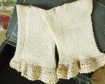 Antique Wristwarmers, fingerless gloves, victorian...CHARMANT!