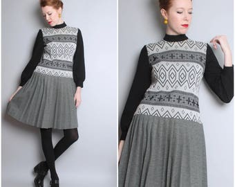 1970s Black and White Gray Dress / Tribal Print / Pleated Skirt / Medium