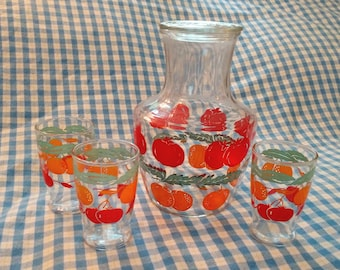Juice Carafe and Juice Cups Set / Carafe and 3 Cups / Orange Juice / Tomato Juice / Breakfast Carafe / Vintage Kitchen / Retro Kitchen
