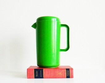 Bright Green Vintage Pitcher / Retro Serving Pitcher / Vintage Picnic Ware / Lemonade Pitcher in Lime Green