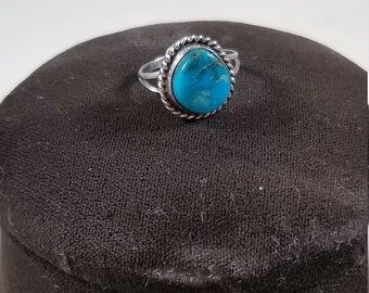 VIntage 925 Sterling Silver and Turquoise Solitaire Ring Size 5.25 Native American