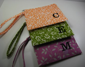Set of 6 Personalized Bridesmaid Gift - Clutch- Zipper Pouch- Personalized Wristlet - Chevron - Small