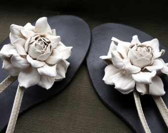Ivory Leather Flower Shoe Clips