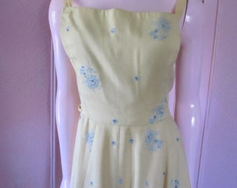 JERRY GILDEN 1950s Pale Yellow Linen Dress with Rhinestones, Sizes 4 - 6