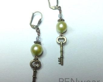Vintage inspired pearl and key earrings