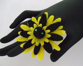 Britney          (Funky Felt Flowers Cocktail Ring)