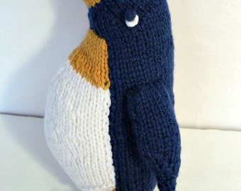Penguin  knitted soft  toy.  Hand knit.  Ready to ship