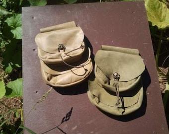 Saddle pouch