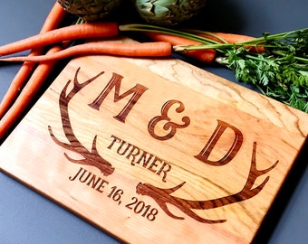 Antler Cutting Board, Rustic Wedding Gift. Personalized Cutting Board with Deer Antlers and Family Name. Outdoors Hunting Decor.