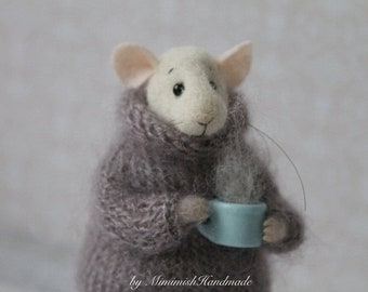 White Felted Mouse, Mouse With Coffee Cup, Needle Felted Mouse, Cute Mouse