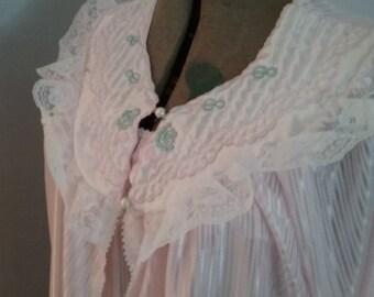 Vintage Peignoir Set, Vintage Pink Nightgown and Peignoir, Detailed Sheer Nightgown and peignoir, Vintage Lingerie Set, Two Piece Peignoir