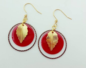 Small red leaf earrings gold