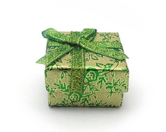 Gift box for ring - green and gold