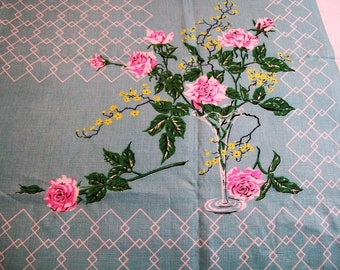 Vintage Tablecloth, Tablecloth with Flowers, Pink Roses Flowers, Big Tablecloth, Flowered Tablecloth, Table Linens, Vintage Kitchen