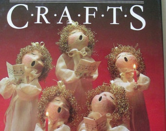 Diy Glorious Christmas crafts Hardbound Craft Book 149 pages used good condition