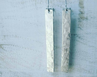 Simply Stunning Hammered Bar Earrings